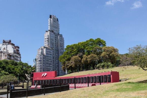 Monumento a los Caídos en Malvinas and Kavanagh building, Plaza San Martín