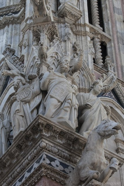 Facade statues of the Duomo, Siena