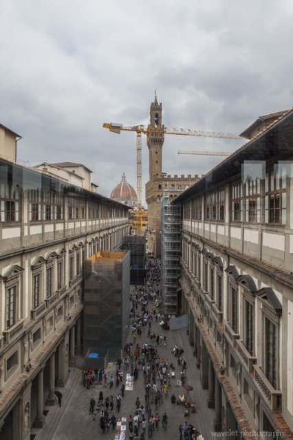 The narrow courtyard between the Uffizi's two wings, Florence