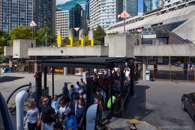 People get onto Toronto Island Ferry