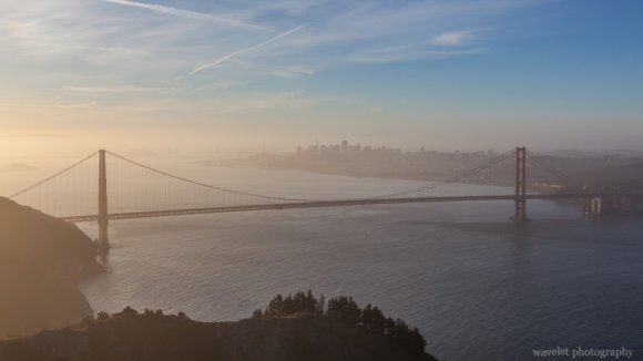 View Golden Gate Bridge from Hawk Hill