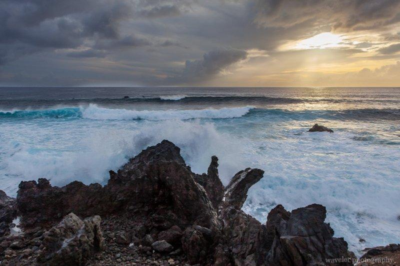 Sea and waves of island's west coastline, Easter Island