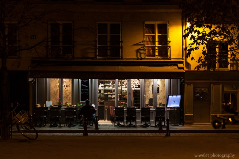A restaurant at night, Paris
