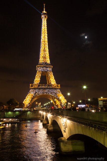 Eiffel Tower and Pont d'Iéna at night, Paris