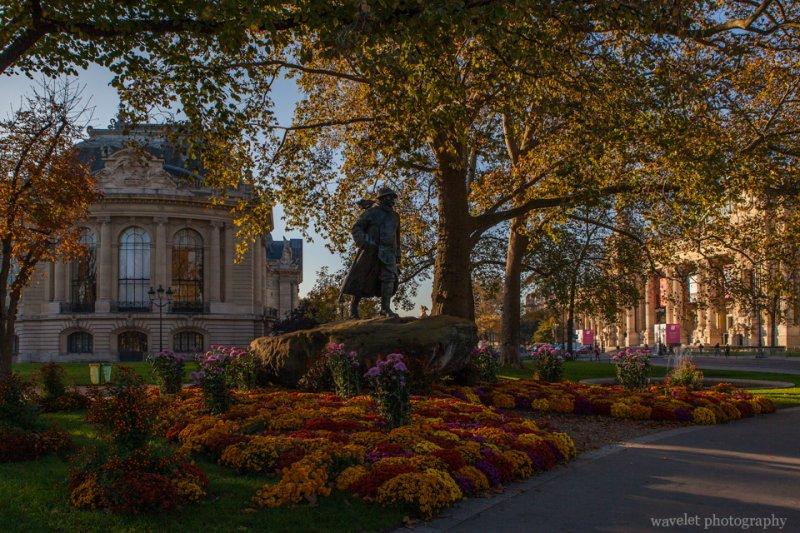 Statue of Georges Clemenceau and Petit Palais, Paris