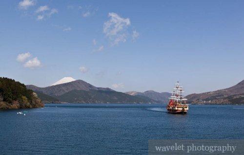 Lake Ashi (芦ノ湖) and Mt. Fuji