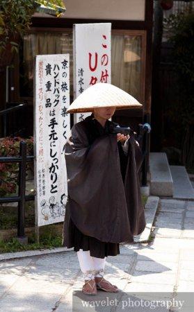 Monk in Kiyomizu Temple (清水寺)