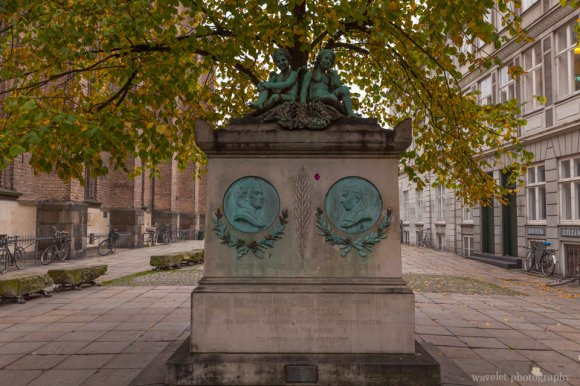 Johannes Ewald & Johan Herman Wessel statue Trinitatis Church, Copenhagen