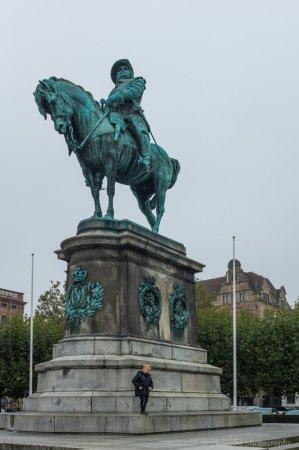 Statue of King Karl X Gustav, Stortorget, Malmö