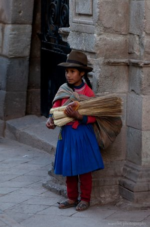 Girl on her way home, Cusco