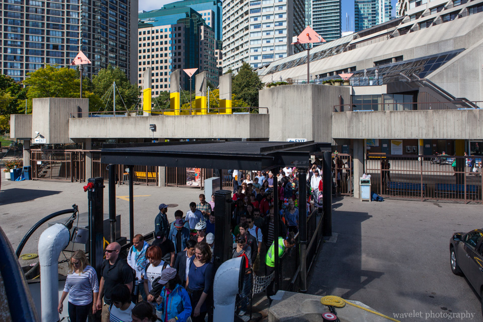 People get onto Toronto Island Ferry