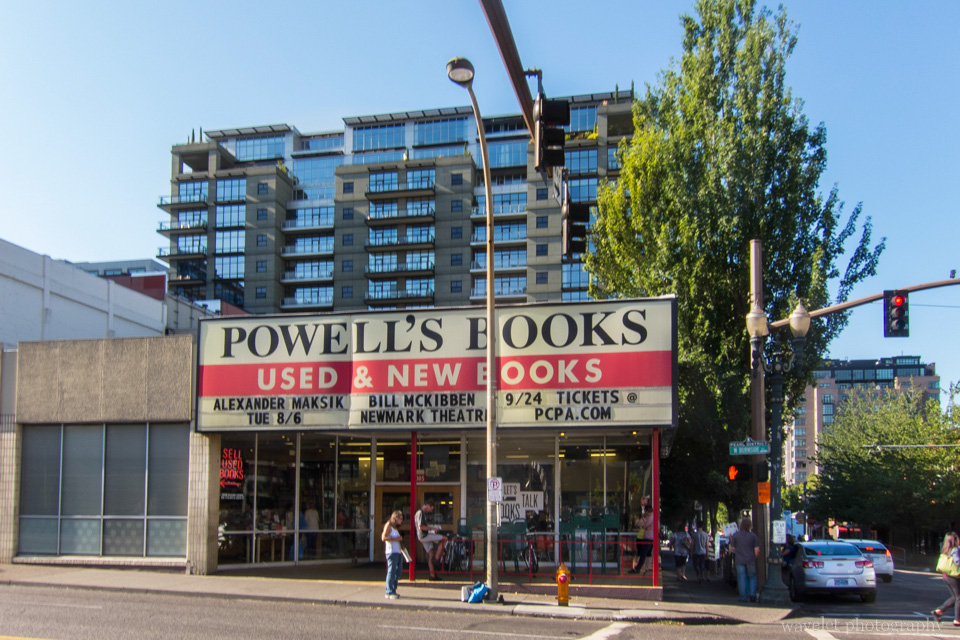 Powell\'s Books, Pearl District, Portland, OR