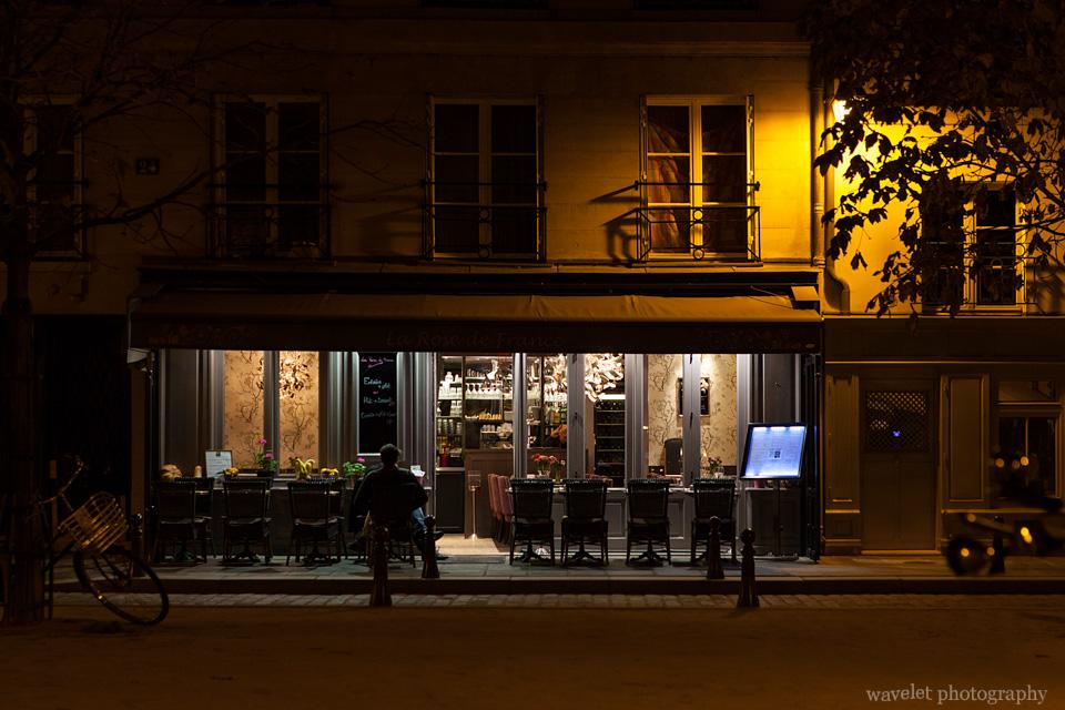 A restaurant at night, Paris