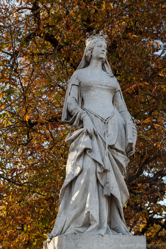 Statue in Jardin du Luxembourg, Paris