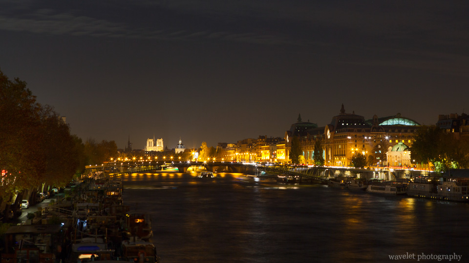 Overlook Notre-Dame in the night, Paris