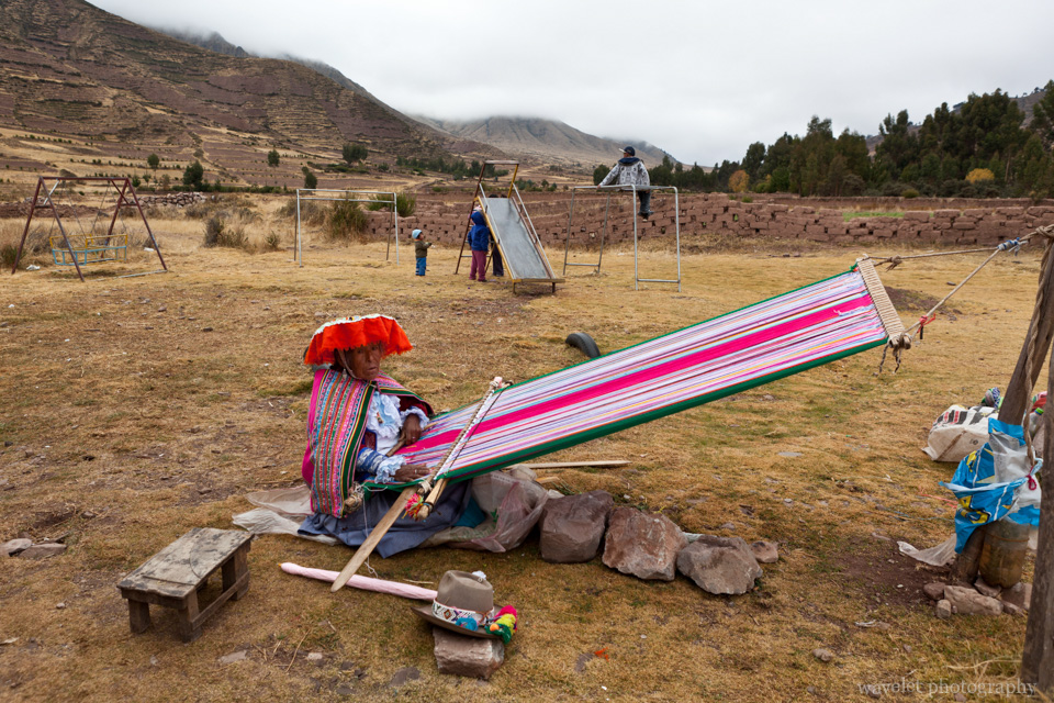 A woman weaving a blanket, Sacred Valley