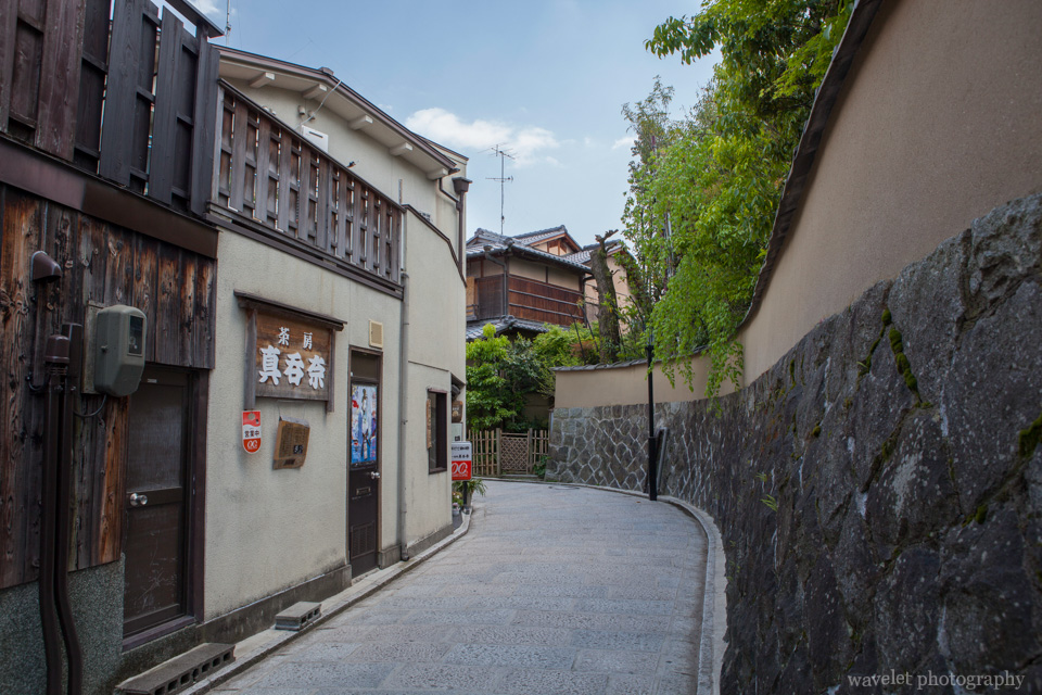 Stone-paved roads between Yasaka Shrine (八坂神社) and Kiyomizu Temple (清水寺), Kyoto