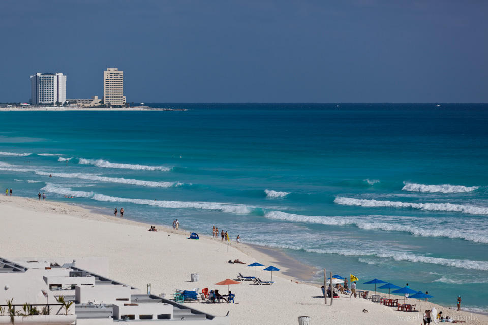 White beach of Cancun\'s hotel zone