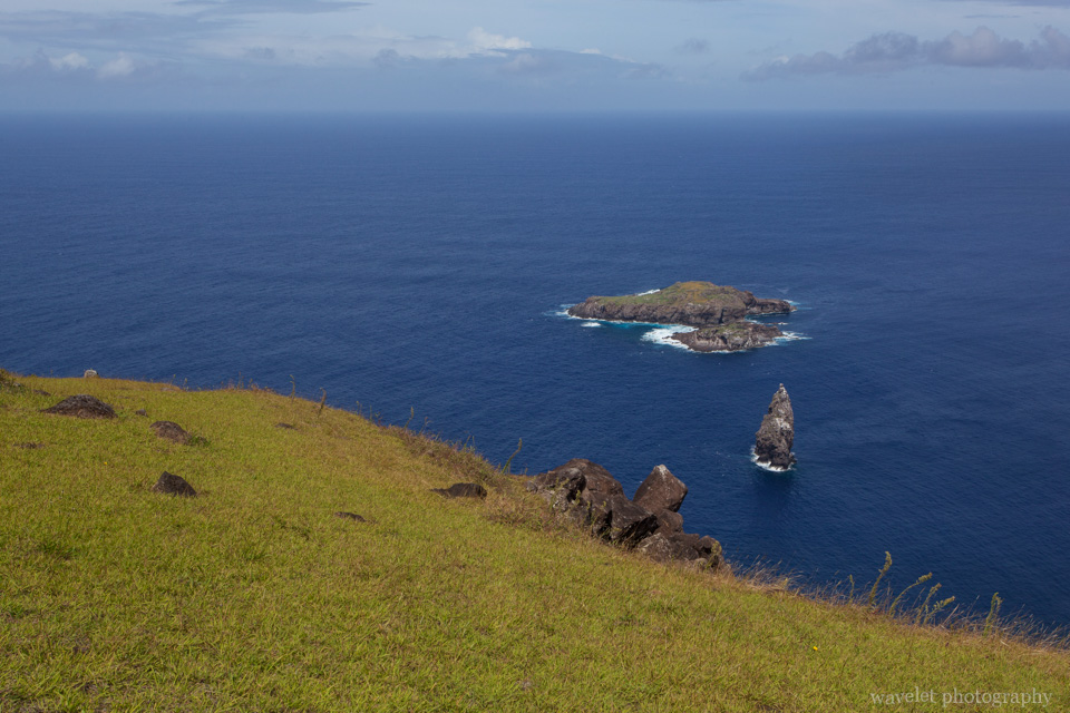View from Orongo, Motu Nui, with the smaller Motu Iti and the sea stack of Motu Kau Kau, Easter Island