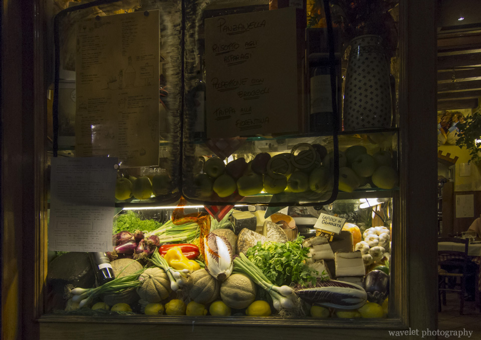 A restaurant\'s window display, Florence
