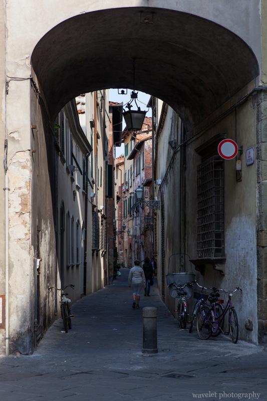 Via Antonio Vallisneri / Via del Battistero / Via delle Trombe, Lucca