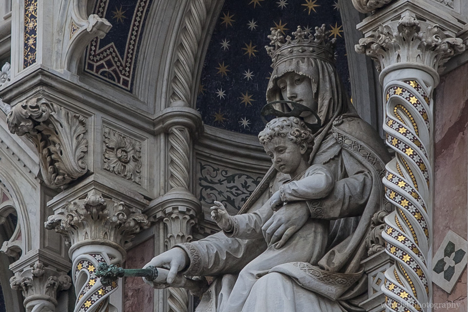 The gallery of the Virgin with Child, Duomo, Florence