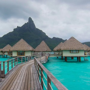 Islands – From Moorea to Bora Bora